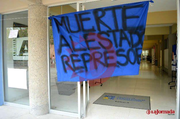 El campus oriente de la UASLP se une al paro en apoyo a Ayotzinapa
