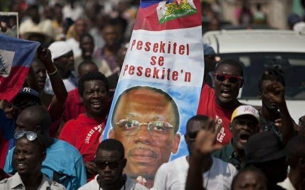Con gases lacrimógenos, dispersan en Haití protesta de oposición
