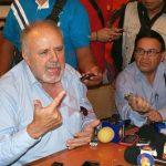 """Martín Toranzo pide renuncia de Cándido """"por mentiroso"""""""
