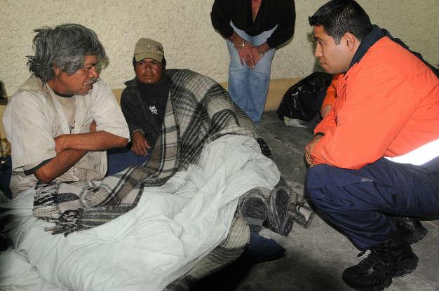 Abren DIF y Protección Civil albergues para indigentes por temporada de frío