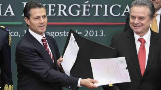 "México SA: Economía inamovible (""Reformas"")"
