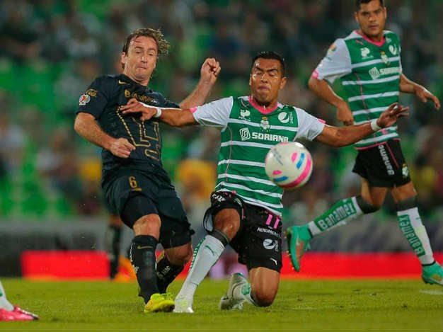 Santos perdona a Pumas; 1-1 en el Corona TSM