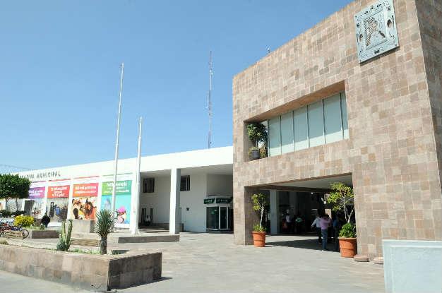 No habrá aumentos para funcionarios del municipio, asegura Noyola Bernal