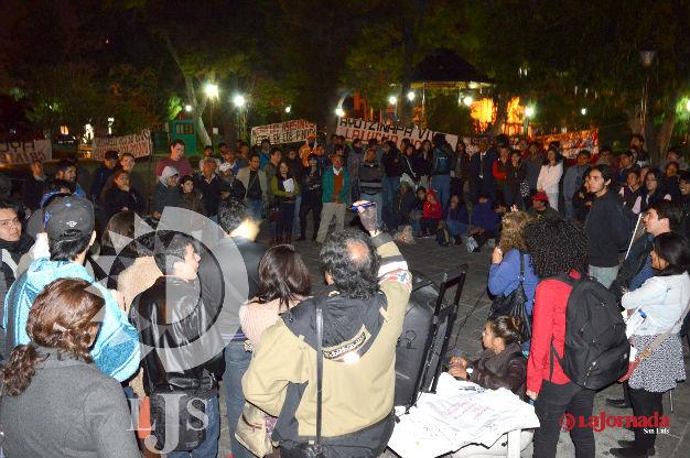 Acuerdan acciones de protesta por normalistas desaparecidos