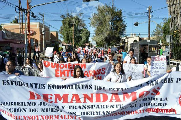 Más organizaciones Potosinas se unen a protestas por Ayotzinapa