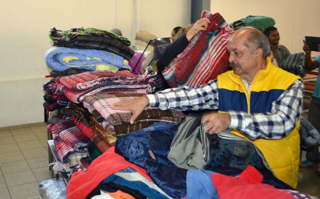 Ayuntamiento inició colecta de ropa y cobijas para ayudar a migrantes