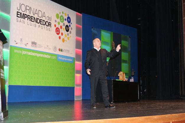 Innovación y creatividad, ruta al éxito: Andrés Bustamante
