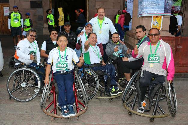 Más de mil 500 participantes en el Medio Maratón Municipal