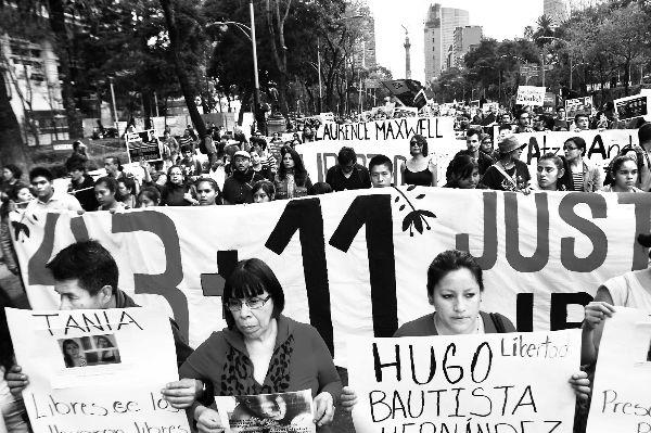 Exigen familiares la liberación inmediata de los 11 detenidos