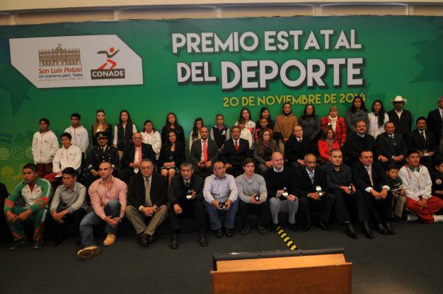 Premia Toranzo a los mejor de la cultura y el deporte del estado
