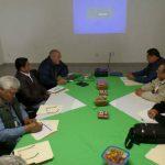 Reunión de seguimiento para nave de empaque en El Huevo