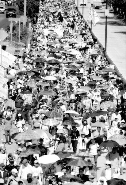 PRI y PAN buscan aprobar reforma que reglamente las manifestaciones