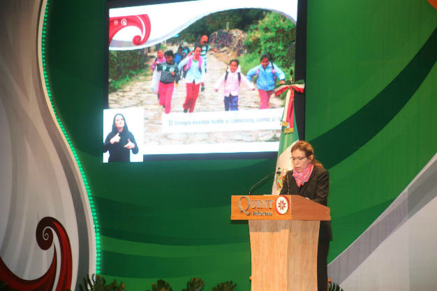 La presidenta del DIF Estatal presentó su quinto informe de actividades