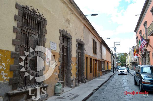 El INAH mantiene clausurada la obra frente al hotel Palacio de San Agustín
