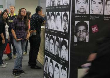 Los rostros de Ayotzinapa marcan la FIL