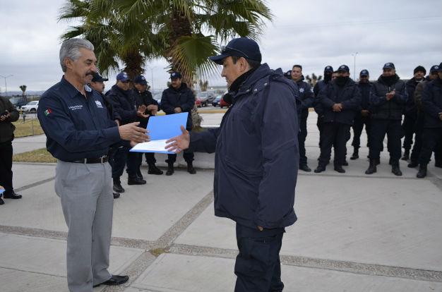 Premian a custodios por su labor en el incidente del martes en La Pila