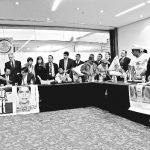 Exigen padres de los 43 normalistas desaparecer poderes en Guerrero