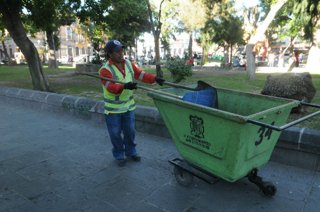 Intensifica ecología municipal labores de limpieza en el centro
