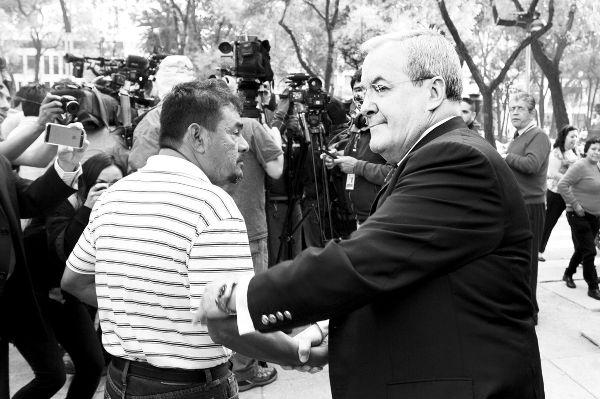 Padres de desaparecidos piden efectuar  búsqueda ciudadana de los 43 normalistas